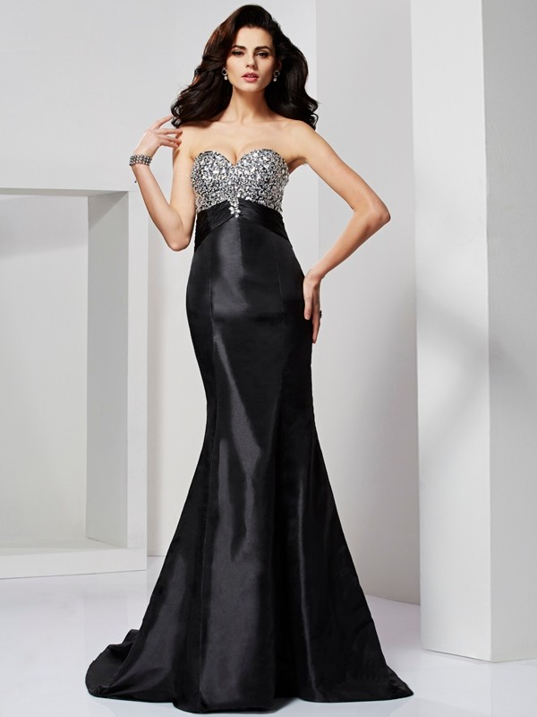 Mermaid Sweetheart Brush Train Black Prom Dresses with Beading