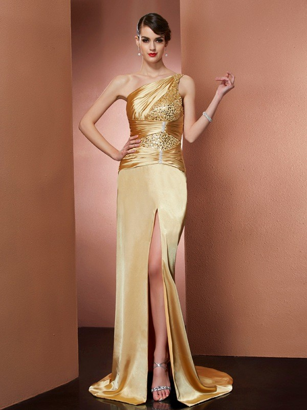 Brush Train Gold One-Shoulder Prom Dresses with Beading