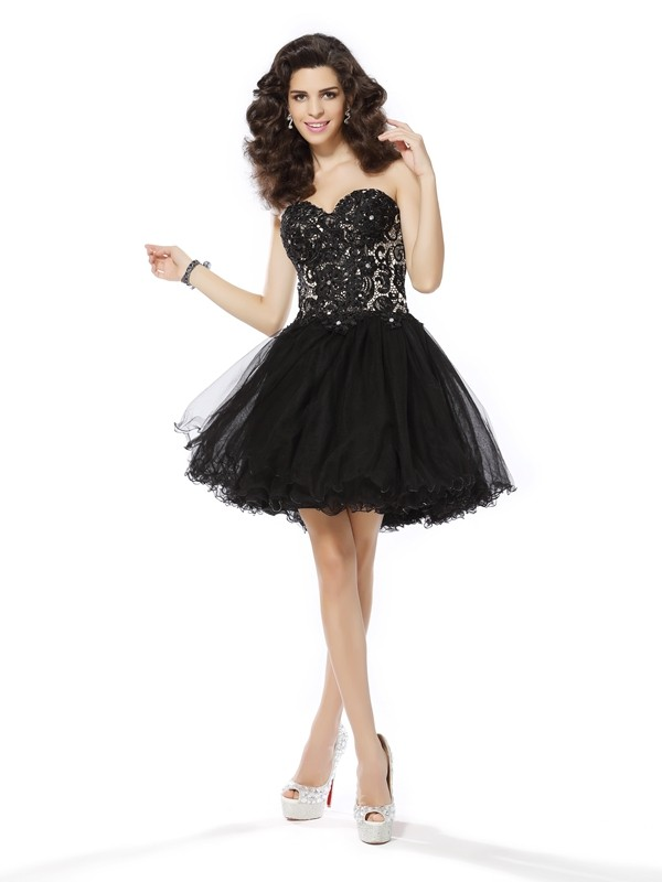 Sweetheart Short/Mini Black Homecoming Dresses with Ruffles