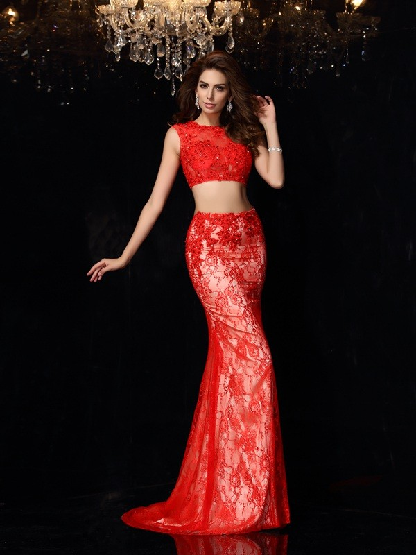 Red Sheath Scoop Brush Train Prom Dresses with Lace