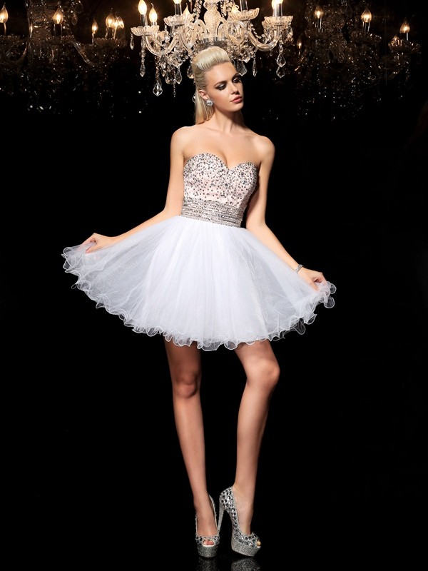 White Sweetheart Short/Mini Homecoming Dresses with Beading