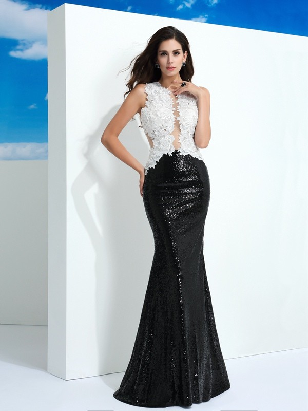 Lace Scoop Floor-Length Black Prom Dresses