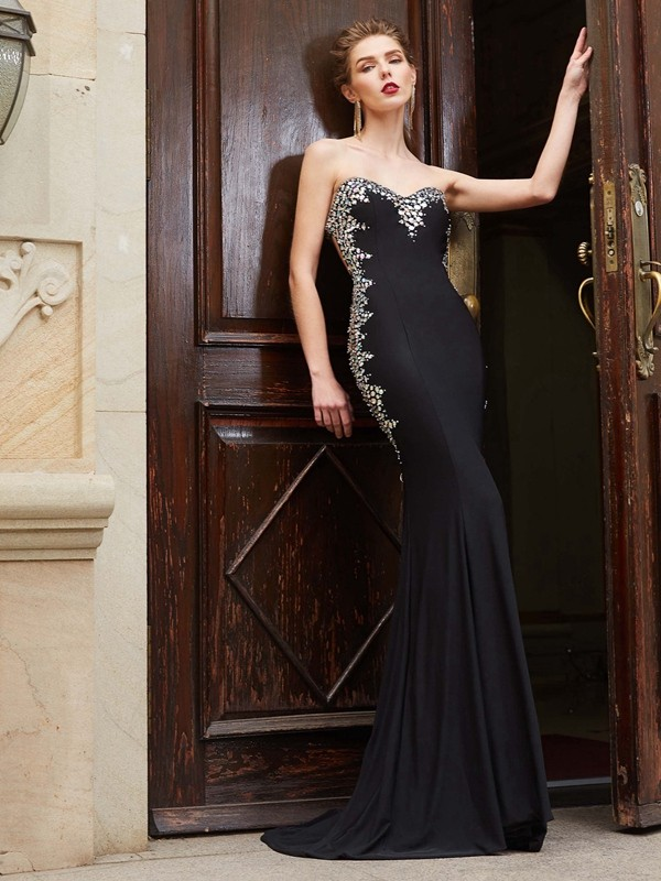 Black Sheath Sweetheart Brush Train Prom Dresses with Sequin