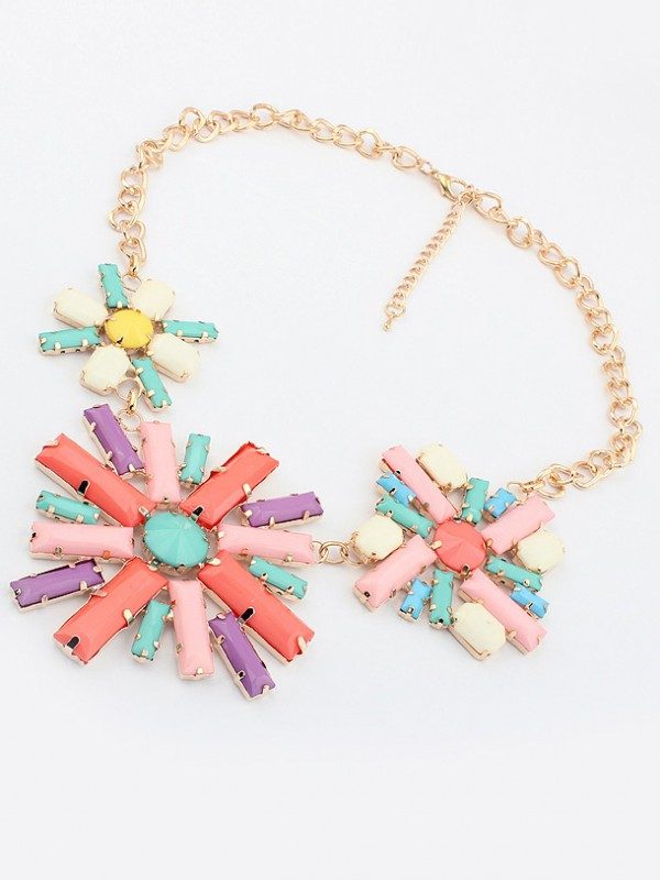 Occident Hyperbolic Colorful Flowers Fashion Necklace
