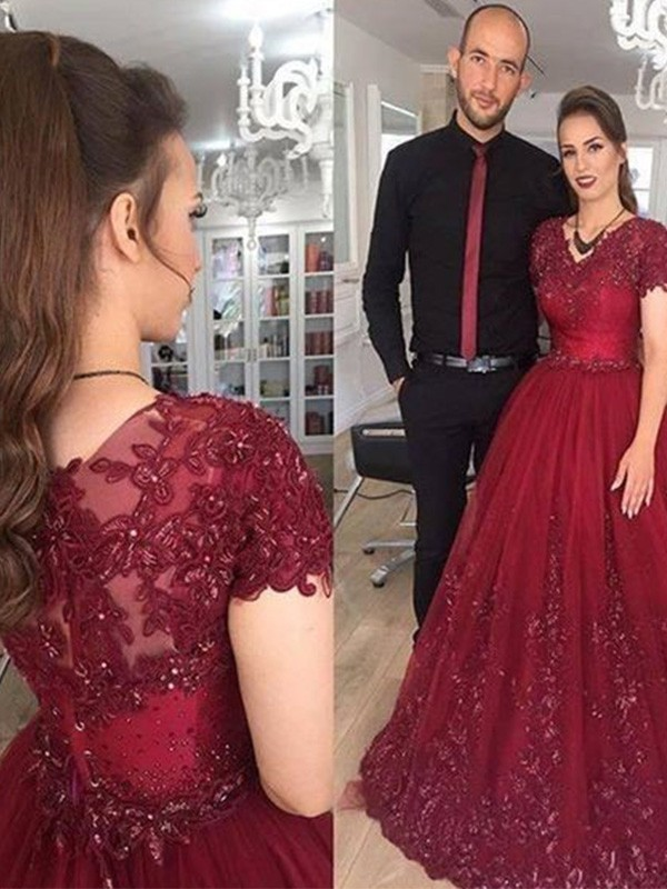 A-Line V-neck Brush Train Burgundy Prom Dresses with Applique