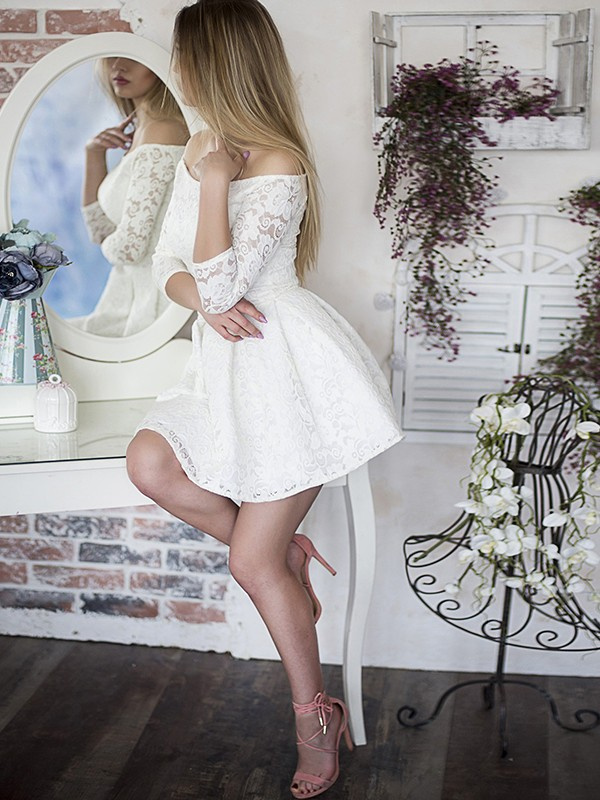 White Short Lace 3/4 Sleeves Homecoming Dresses