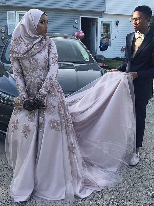 Sheath Long Sleeves Silver Long Tulle Muslim Prom Dresses