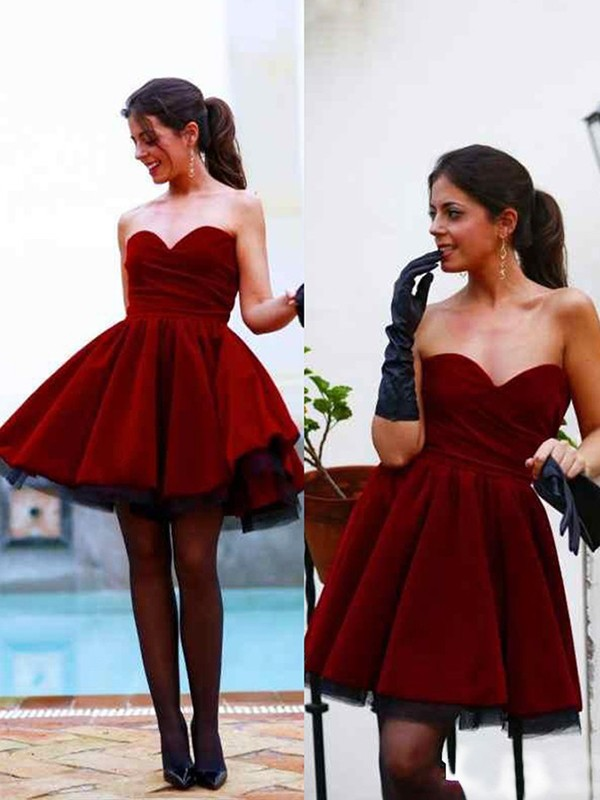 Satin Sweetheart Short/Mini Red Homecoming Dresses