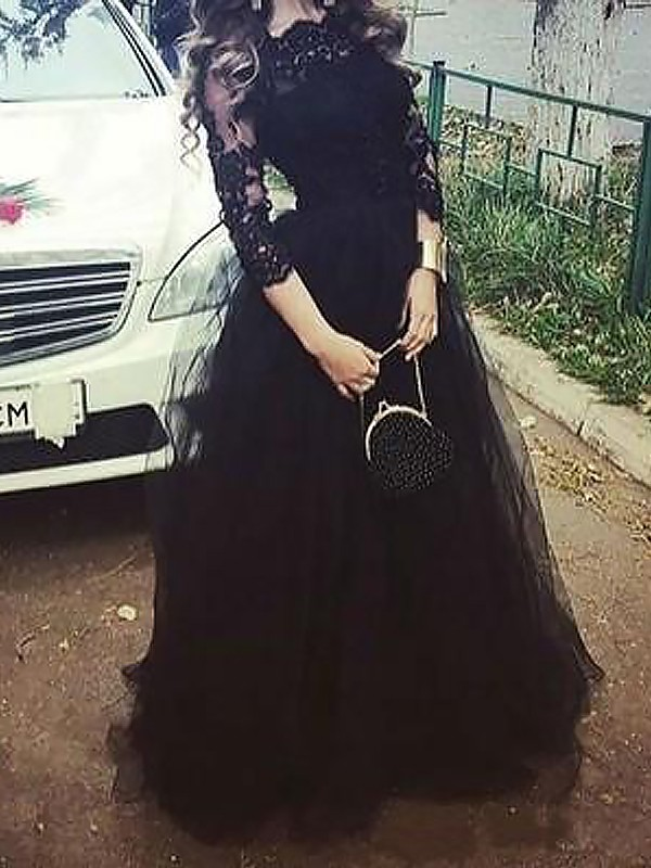 Tulle Bateau Floor-Length Black Prom Dresses