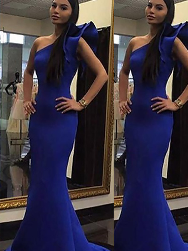Brush Train White One-Shoulder Prom Dresses with Ruffles