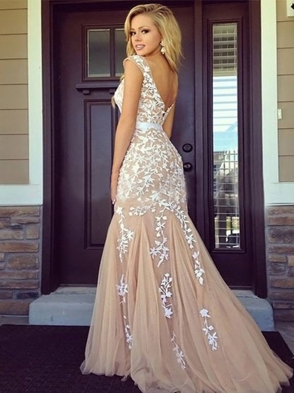 Sheath Bateau Floor-Length Champagne Prom Dresses with Applique