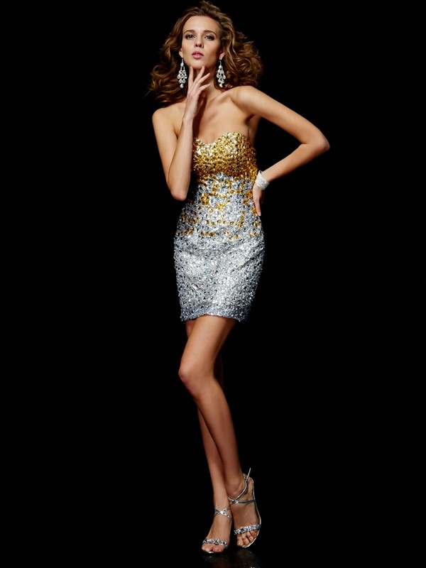 Sweetheart Short/Mini Silver Homecoming Dresses with Beading