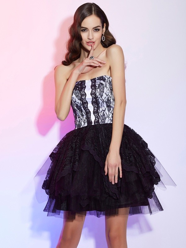 A-Line Sweetheart Short/Mini Black Homecoming Dresses with Lace