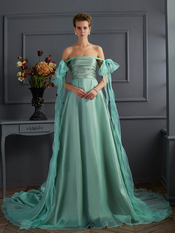 A-Line Taffeta Off-the-Shoulder Chapel Train Prom Dresses