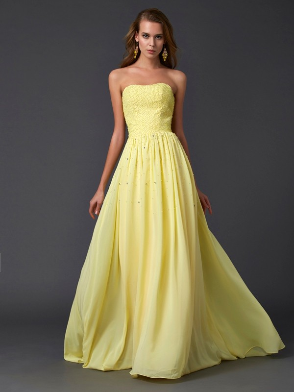 Brush Train Daffodil Strapless Prom Dresses with Beading