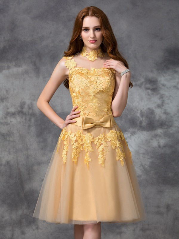 A-Line High Neck Short/Mini Gold Homecoming Dresses