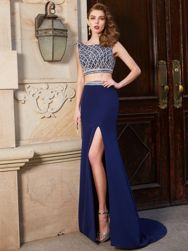 Brush Train Dark Navy Bateau Prom Dresses with Beading