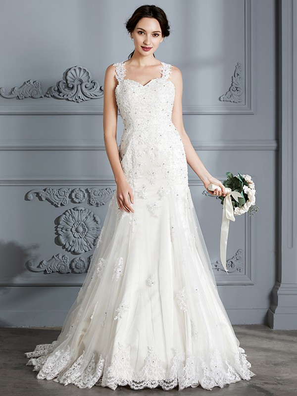 Lace Sweetheart Court Train Ivory Wedding Dresses