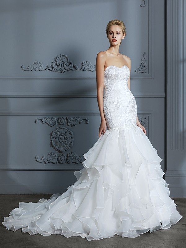 Organza Sweetheart Brush Train Ivory Wedding Dresses