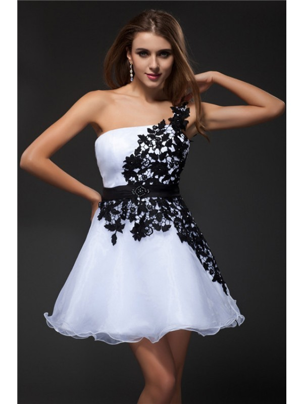 Empire One-Shoulder Short/Mini White Homecoming Dresses with Applique