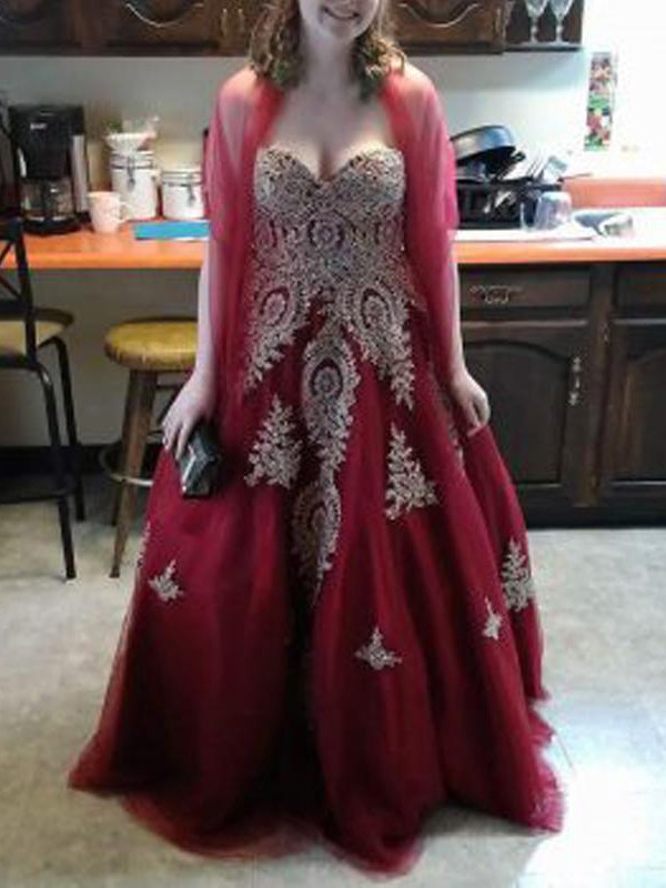 Sweetheart Floor-Length Red Prom Dresses with Applique