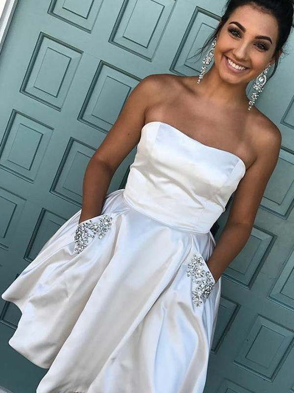 A-Line Strapless Short/Mini Ivory Homecoming Dresses with Rhinestone