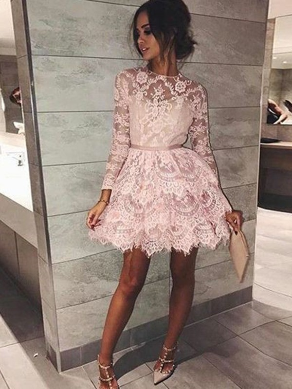 A-Line Lace Long Sleeves Bateau Short/Mini Homecoming Dresses with Beading