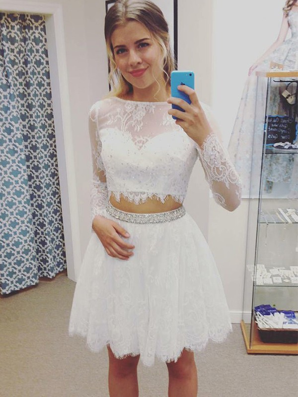 Short Bateau A-Line Long Sleeves Lace White Homecoming Dresses