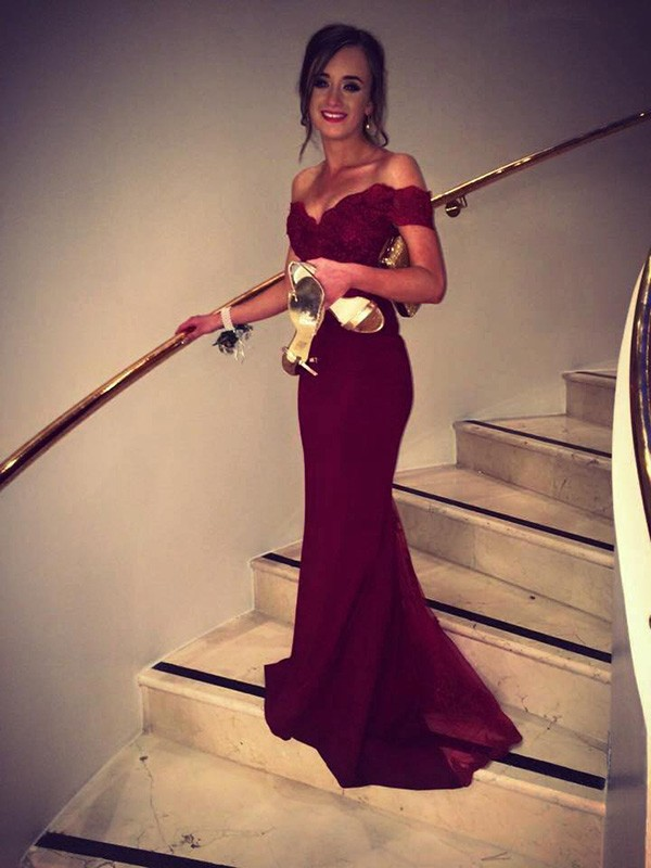 Brush Train Burgundy Off-the-Shoulder Prom Dresses with Beading