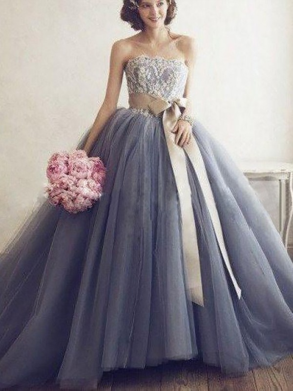 Silver Ball Gown Sweetheart Brush Train Prom Dresses with Applique