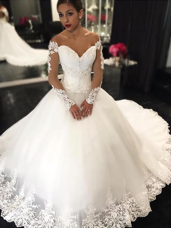 Off-the-Shoulder Court Train Ivory Wedding Dresses with Applique